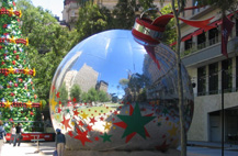 Giant Christmas Bauble in City Square Melbourne. Image cc-by-sa Scott Sandars