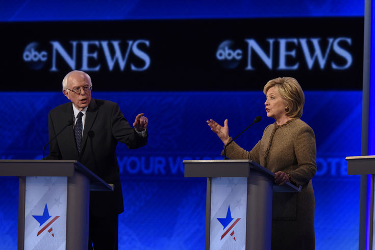 Bernie Sanders and Hillary Clinton in US Democratic debate 2016