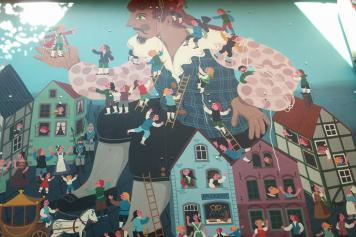 Gulliver's Travel's mural in Bremen, image cc Javier Carro