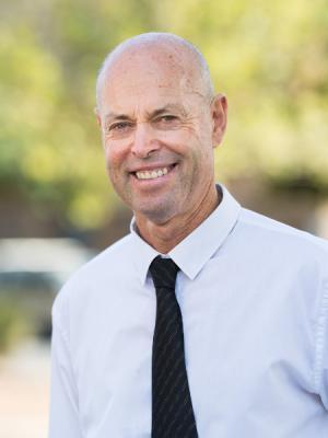Ian Grosser for Kavel