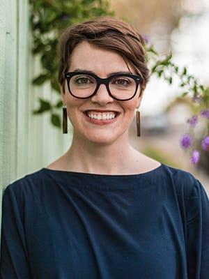 Amy MacMahon